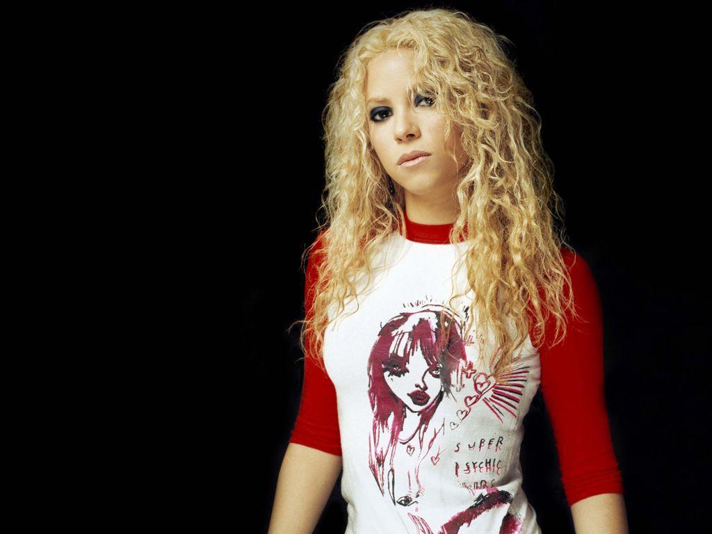 Shakira Biography , Shakira Information , Shakira Movies Shakira